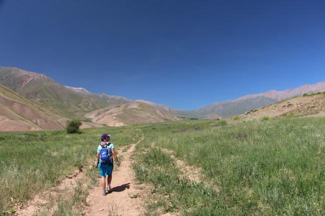 Balade à Kizil Oy - Voyage insolite VTT, idées séminaires teambuilding Kirghizie