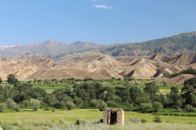 Enchevêtrement de montagnes - Voyage insolite VTT, idées séminaires teambuilding Kirghizie