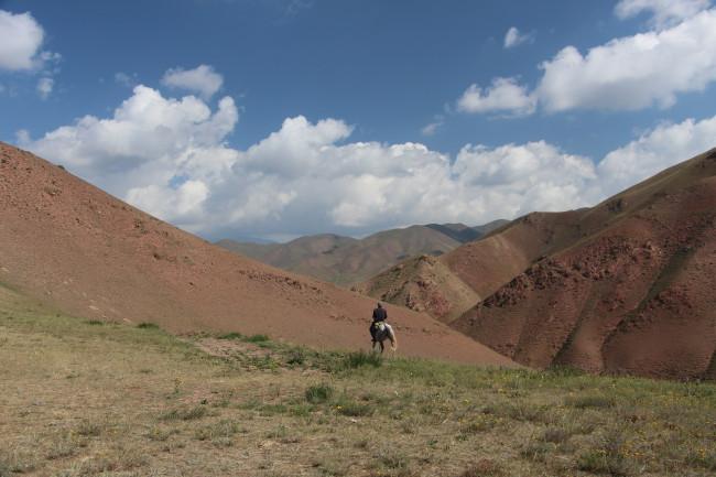 Cavalier kirghize - Voyage insolite VTT, idées séminaires teambuilding Kirghizie