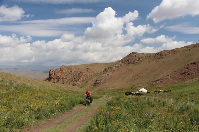 VTT - Voyage insolite VTT, idées séminaires teambuilding Kirghizie