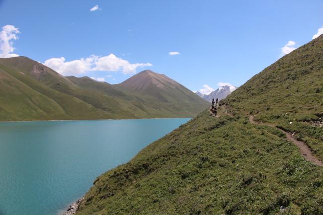 Rando à cheval - Voyage insolite VTT, idées séminaires teambuilding Kirghizie