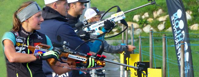 L'épreuve du tir pendant une démonstration de biathlon sur un séminaire