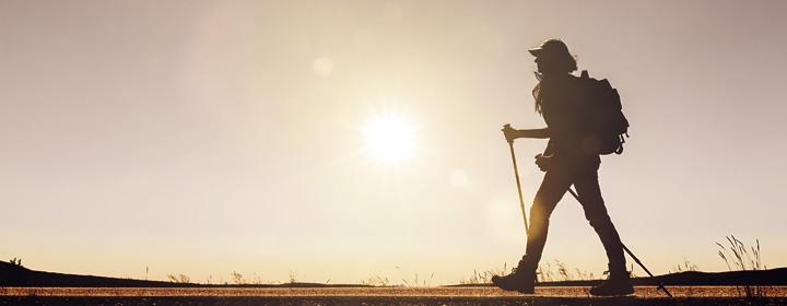 marcheuse sous le soleil